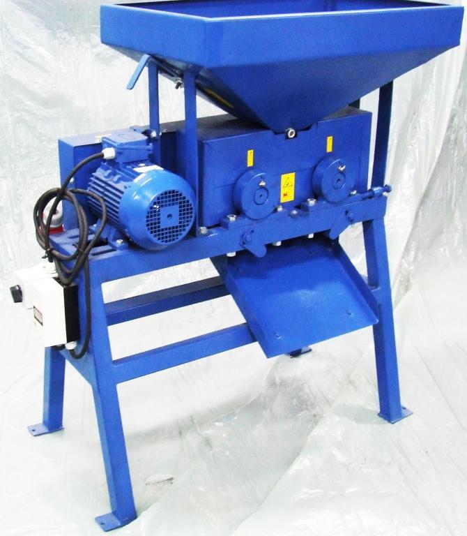Zgniatacz ziarna T100, gniotownik 500 kg/h