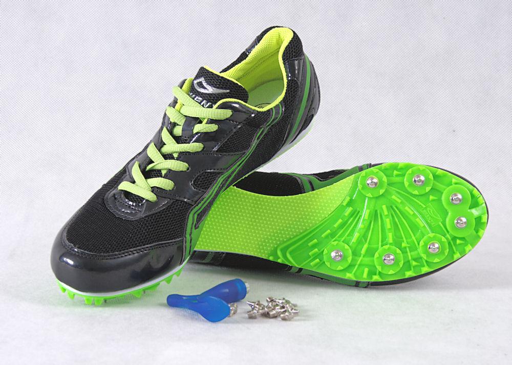 Topánky pre trať - hrotmi - veľkosť 43 EUR