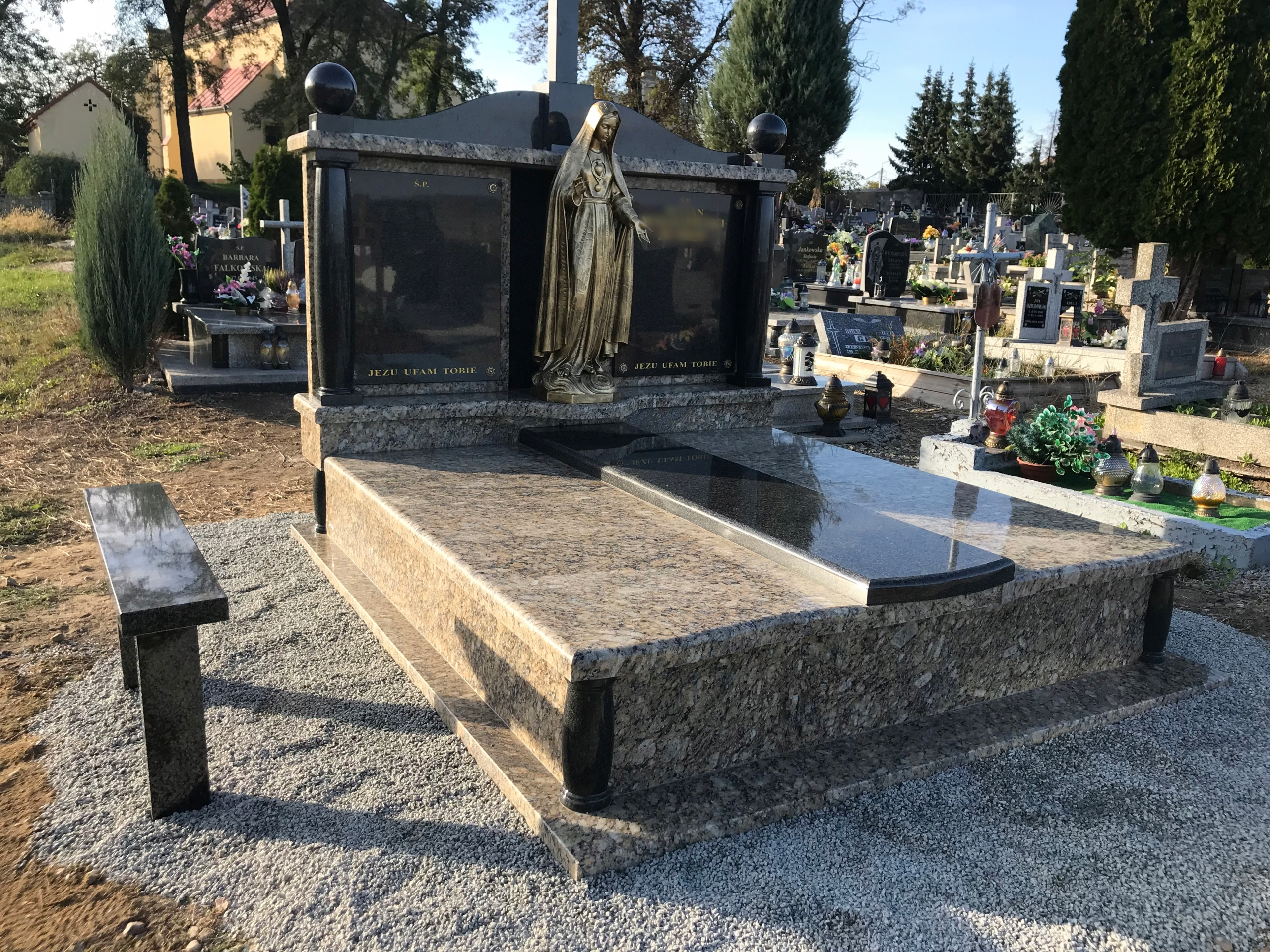 Item TOMBSTONE MONUMENT HEADSTONE MONUMENTS PIECE