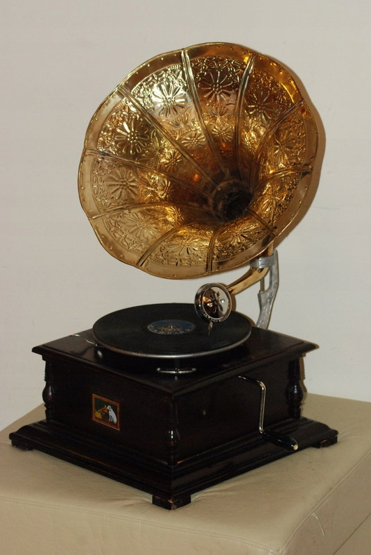 Item Started The Gramophone Old Gramophone