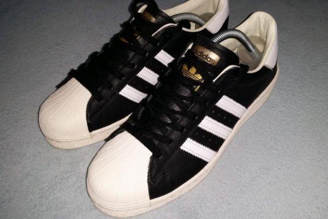 na stopach o wyprzedaż w sklepie wyprzedażowym oficjalne zdjęcia Adidas Superstar Boost czarno białe 42 - 7442550366 ...