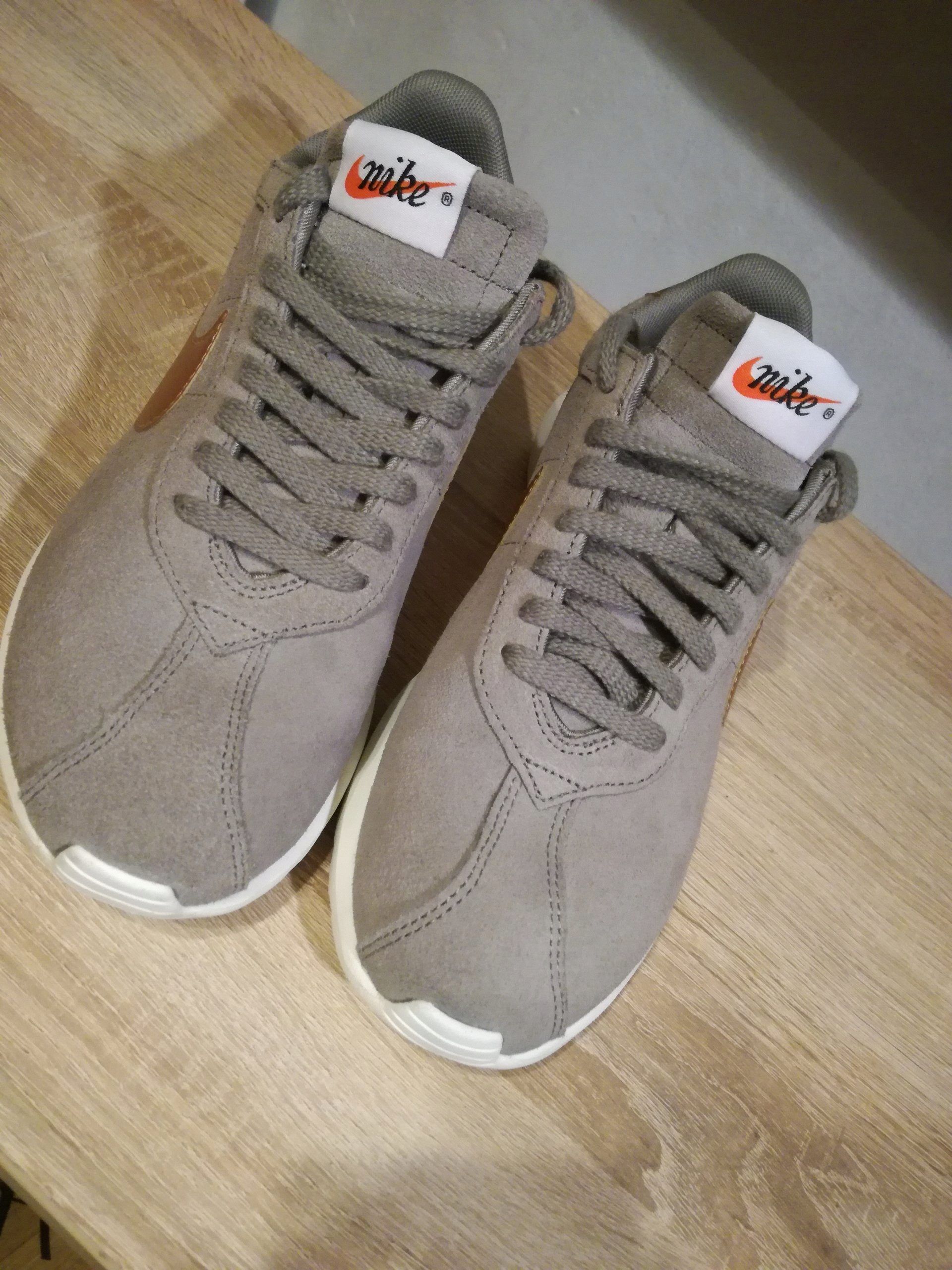 low priced f8d4d fcabe buty Nike 41 WMNS roshe LD-1000,