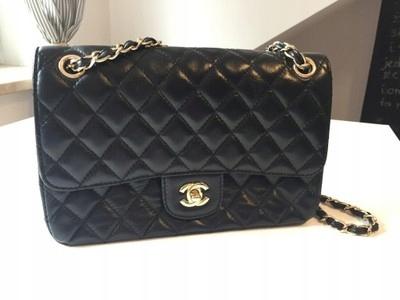 bb37259c34dfa Chanel mała pikowana lakierowana torebka - 7693910287 - oficjalne ...