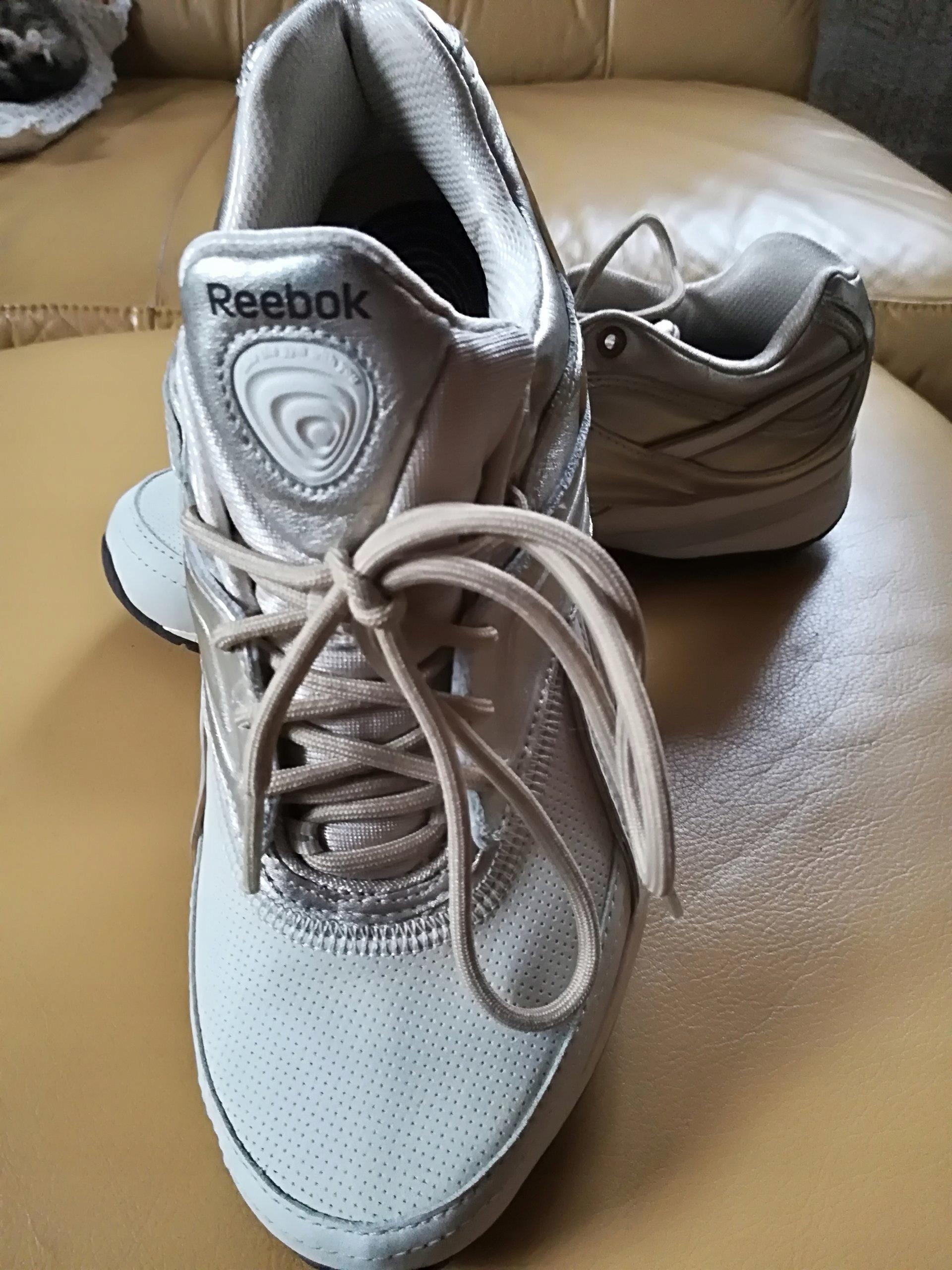 Buty sportowe, adidasy reebok easytone modelujące pośladki