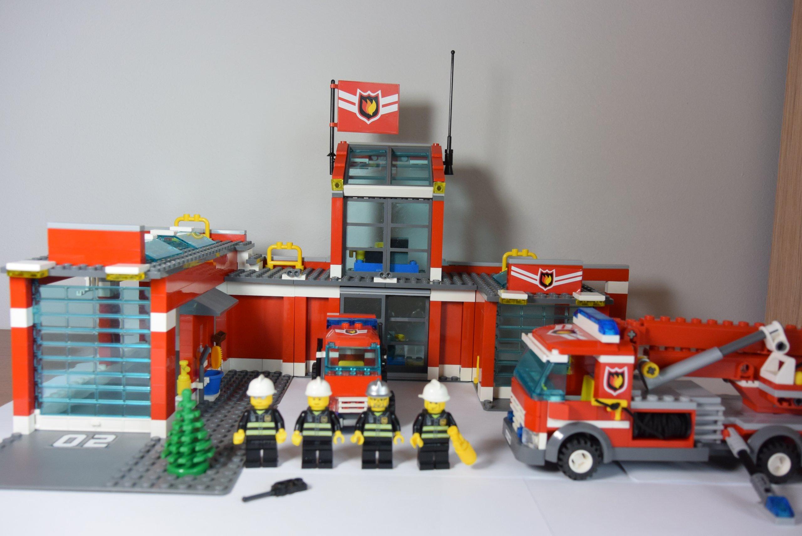 Klocki Lego City 7945 Remiza Straż Pożarna 7236402240 Oficjalne