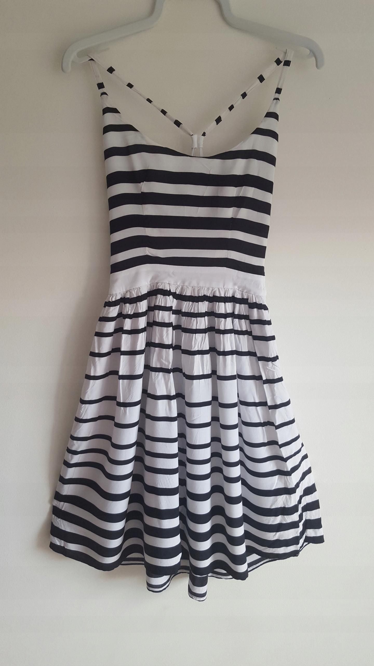 5783164917 Sukienka w biało-czarne paski H M r. XS - 7506772604 - oficjalne ...