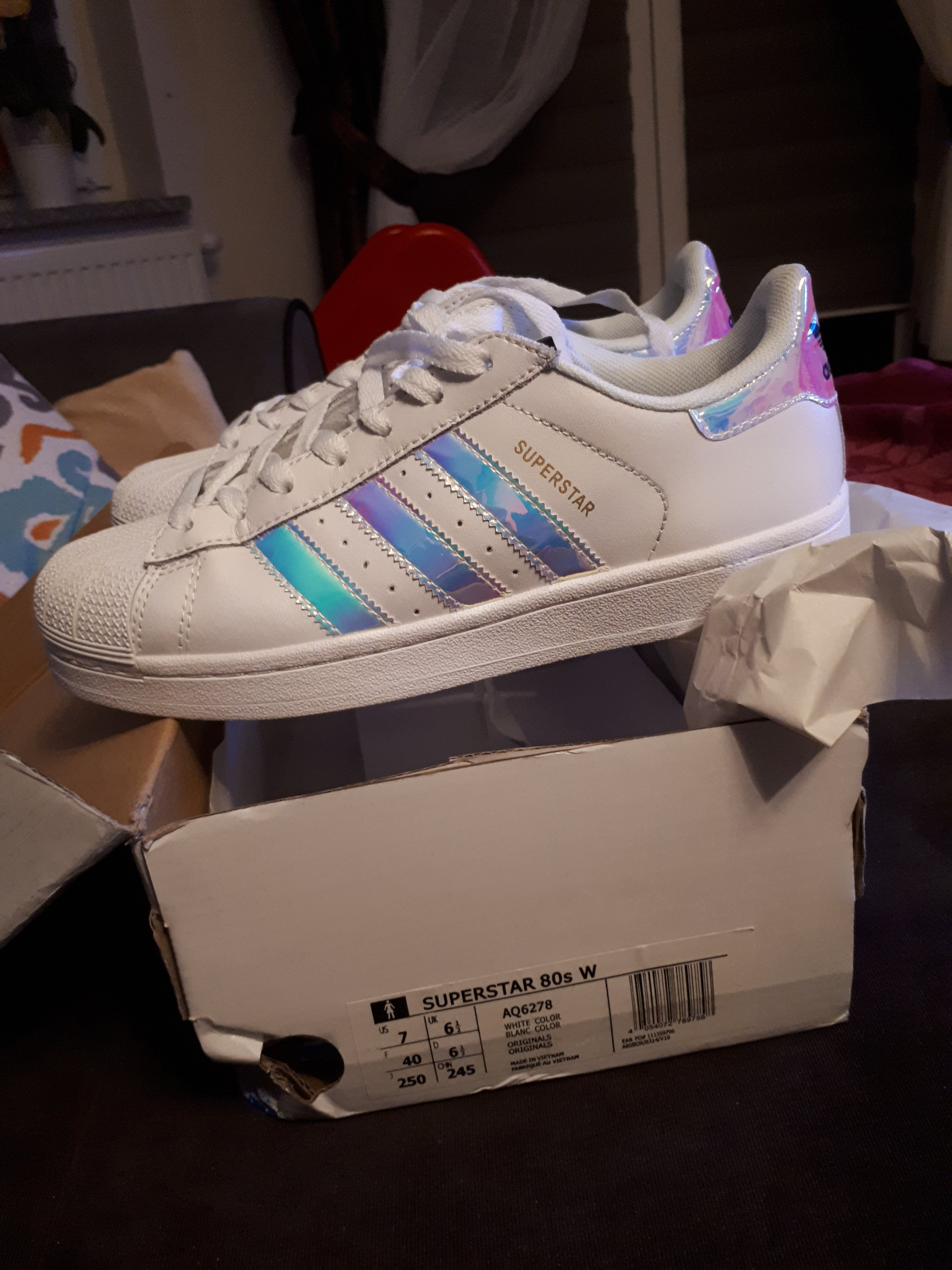 adidas superstar holographic 40