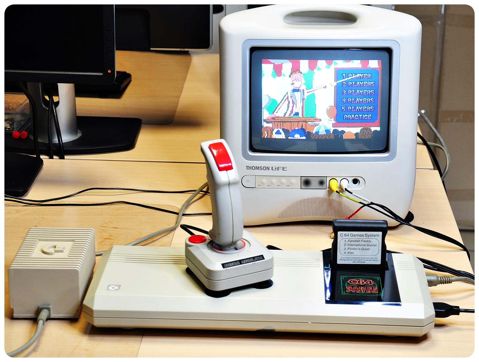 konsola COMMODORE C 64GS komplet - 7150418154 - oficjalne