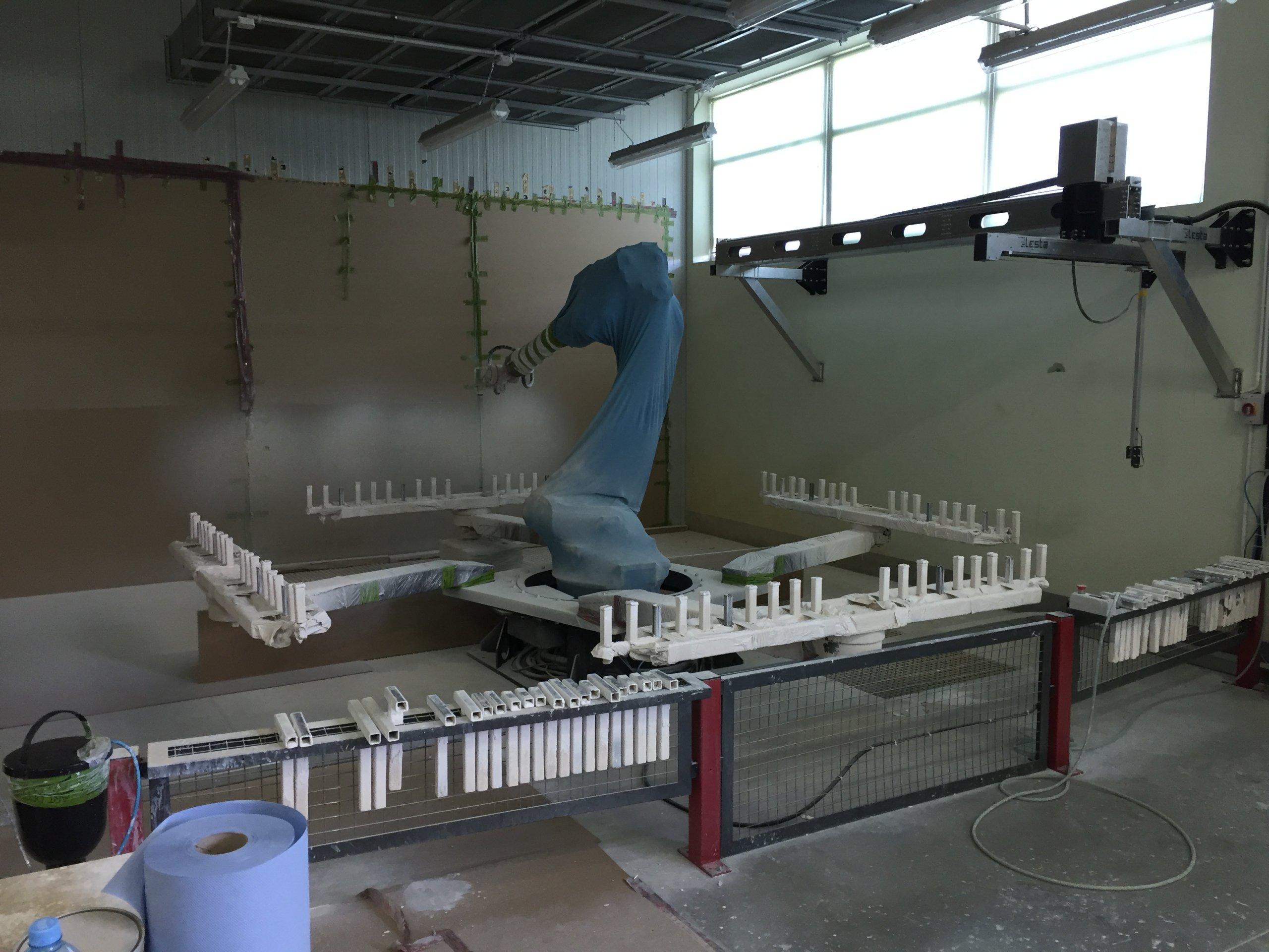 Stanowisko lakiernicze , ROBOT ,  KUKA  , LESTA