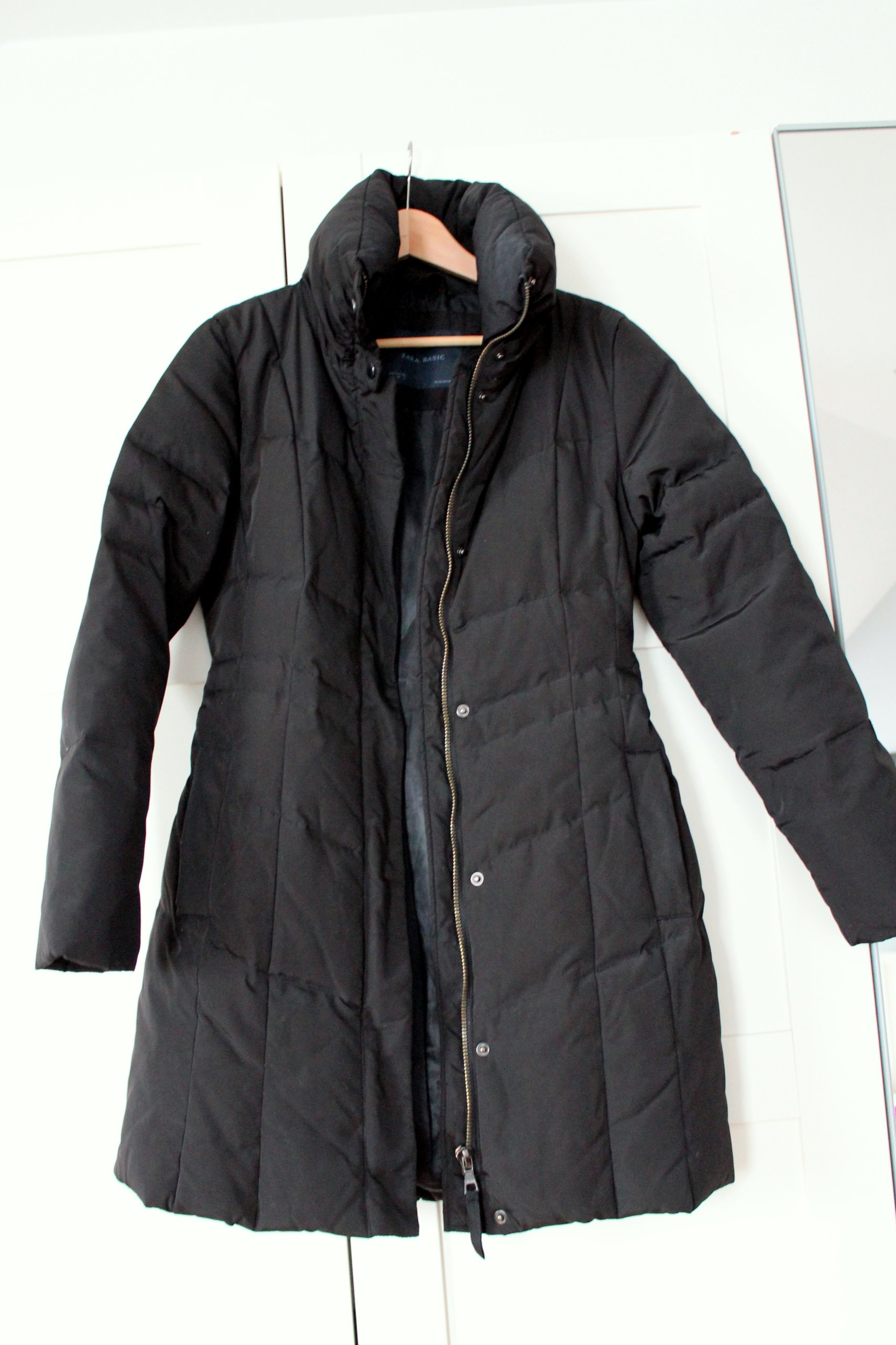 f3ee03c7e4ac02 Czarna kurtka zimowa puchowa ZARA damska M 38 - 7161925853 ...