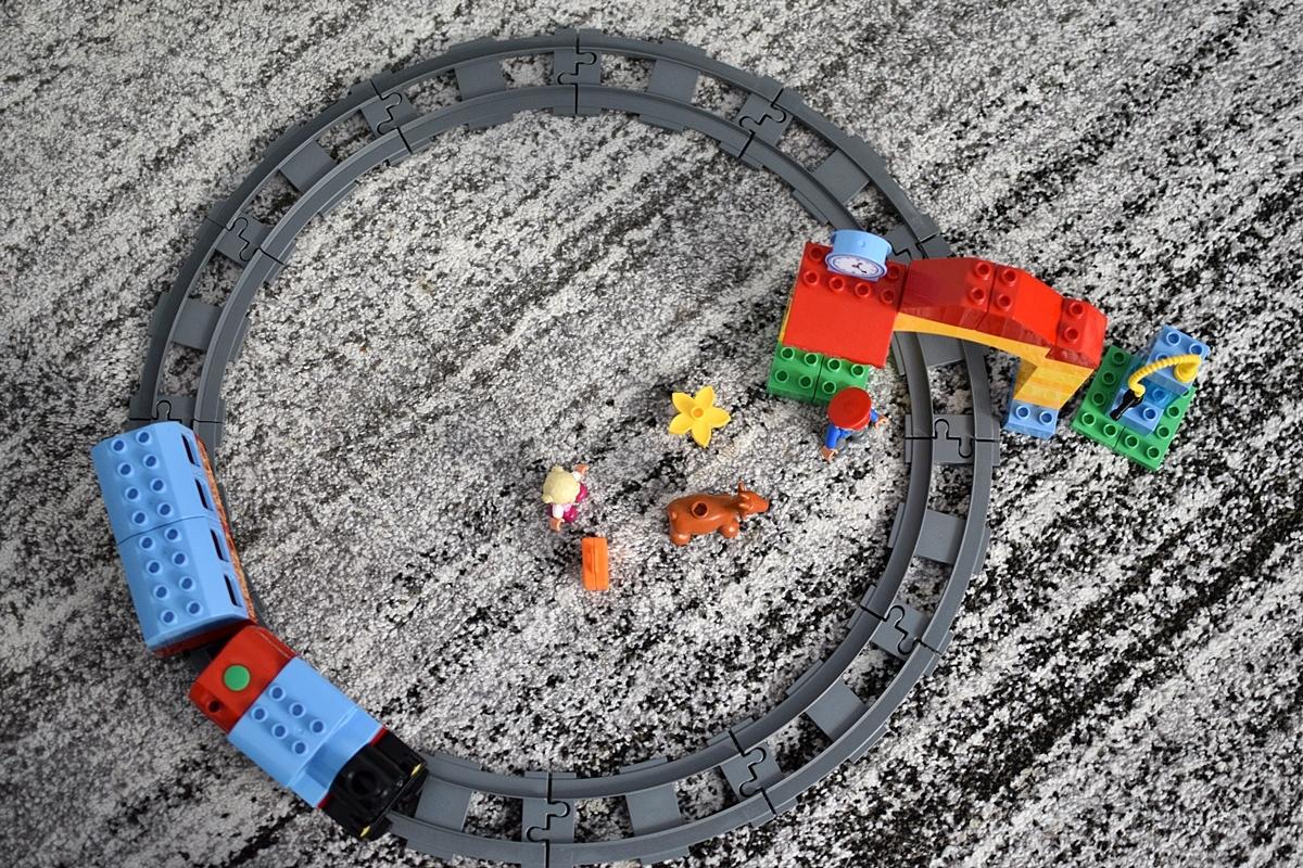 Fotografia 7 Pohľad zhora na pohybujúci sa vlak