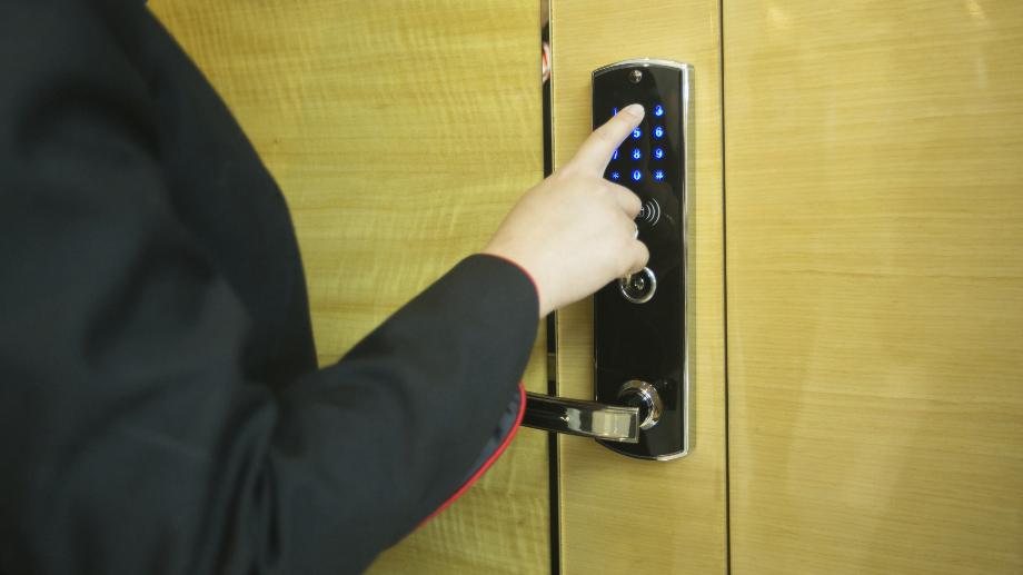 Elektroniczne Zamki Do Drzwi Czym Sie Charakteryzuja Allegro Pl