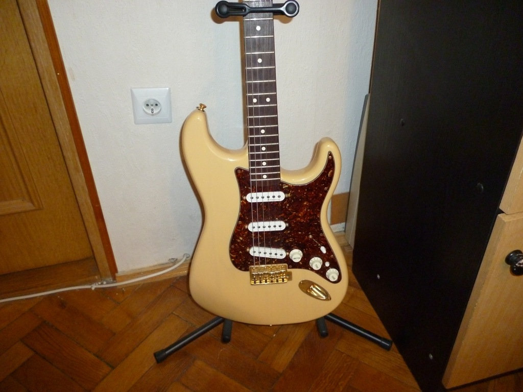 Fender Stratocaster Deluxe Players - super stan!
