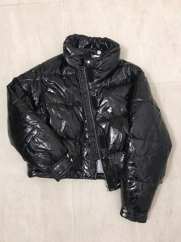 MANGO kurtka puchowa czarna lateks lateksowa M hit