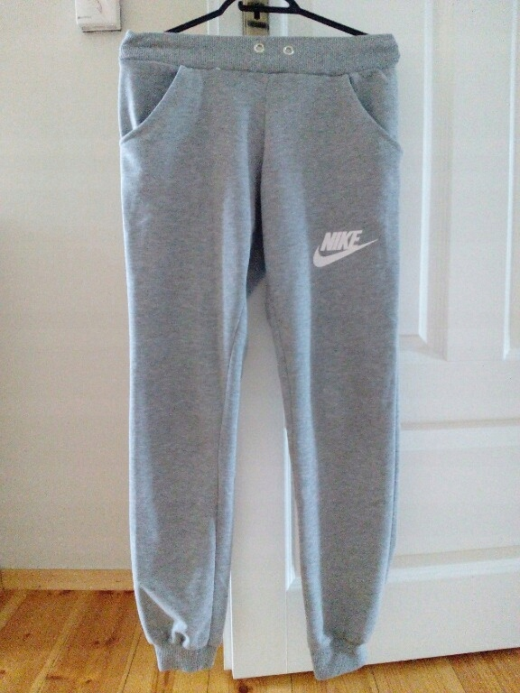 Spodnie dresowe Nike ze ściągaczami szare S