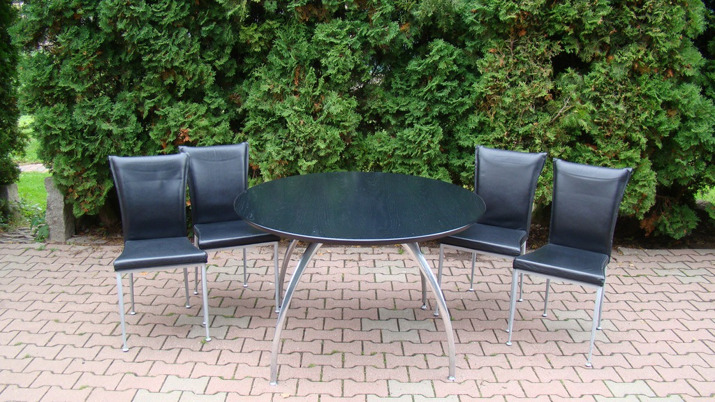 stół okrągły skórzane krzesła
