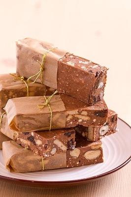 БЛОК Шоколадный с орехами и изюмом - домашний