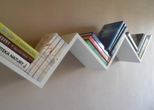 Solidna Biała Półka Wisząca Na Książki Do Salonu