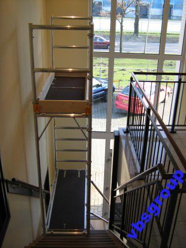 rusztowanie aluminiowe na schody klatkę schodową